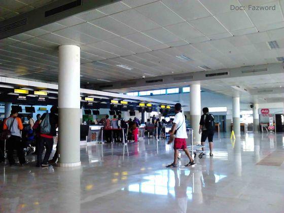 Check-in Counters Bandara Internasional Lombok | Doc: Fazword