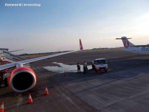 Boarding JT642 | Doc: Fazword