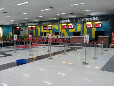 AirAsia Check-in Counter Soekarno-Hatta Airport | Doc: Fazword