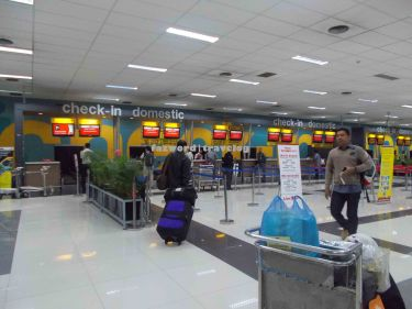 Lion Air / Batik Air Check-in Counter Soekarno-Hatta Airport | Doc: Fazword