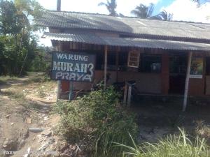 Warung Nasi Murah Praya di Kuta | Foto: Fazword