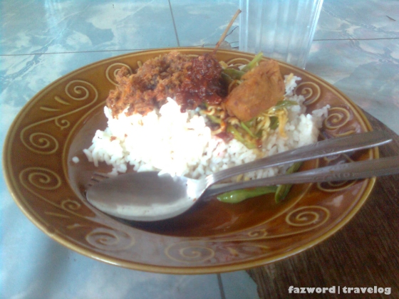 Menu Warung Murah Kuta Lombok | photo: fazword