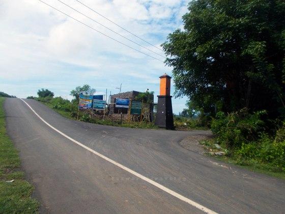Jalan Masuk TWA Gunung Tunak | fazword