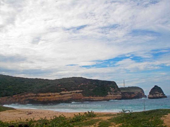 Pantai TWA Gunung Tunak | fazword