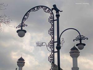 Maung Bandung & Menara Masjid Alun Alun | photo: fazword