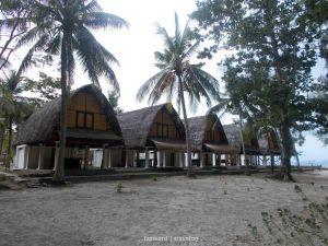 Cottage at Gili Nanggu   photo: fazword