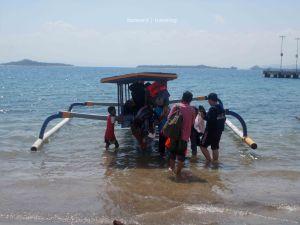 Naik Kapal ke Gili Nanggu | photo: fazword