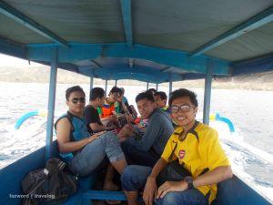 Bersama Genk di Boat menuju Gili Nanggu   photo: fazword