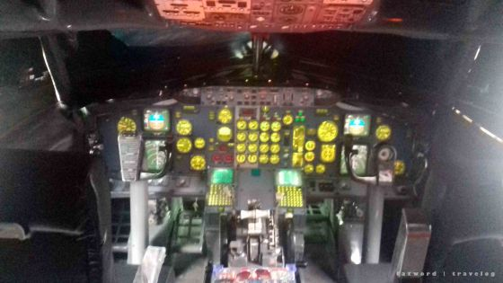 Cockpit Boeing 737-300 Museum Angkut | photo: fazword